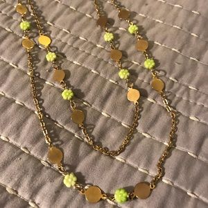 Vintage Chartreuse Flwrs & Goldtone Disc Necklace